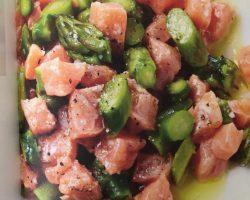 Tartare de saumon aux asperges vertes